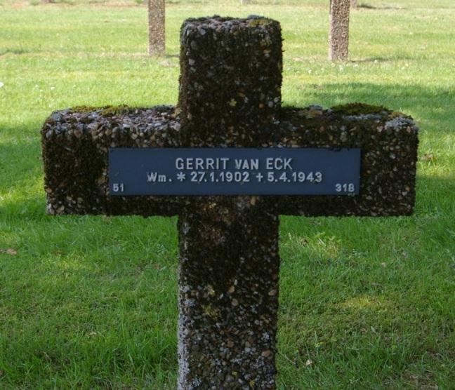 Soldatenkerkhof Lommel 3 - (51-00-318) - Van Eck Gerrit